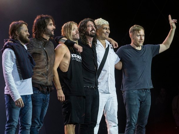 Picture of alt-rock band Foo Fighters